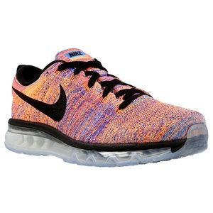 New NIKE FLYKNIT MAX Mens 9 US or Womens 10.5